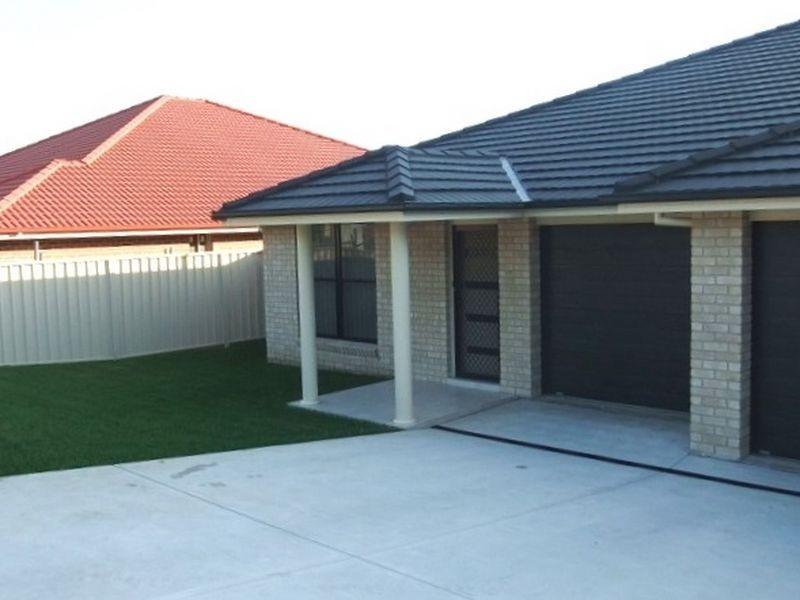 1/142 McMahon Way, Singleton NSW 2330