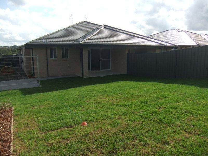 1/141 McMahon Way, Singleton NSW 2330