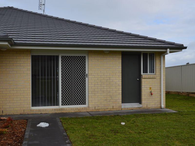 1/5 Pioneer Road, Singleton NSW 2330