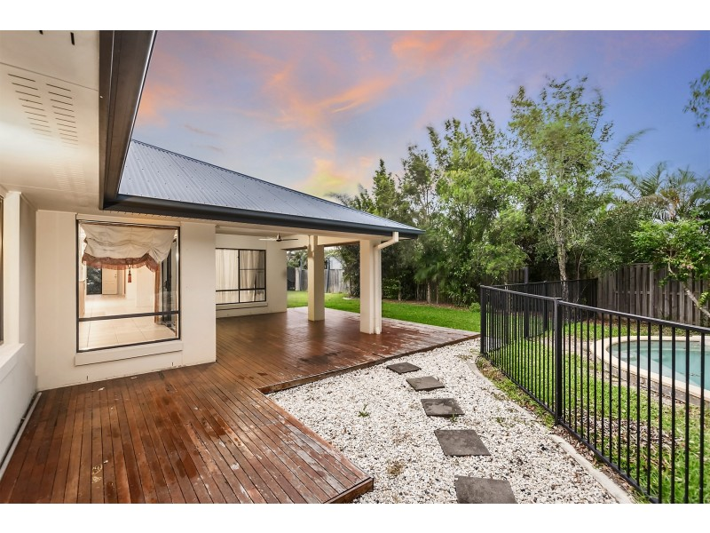 16 Sailaway Court, Coomera Waters QLD 4209
