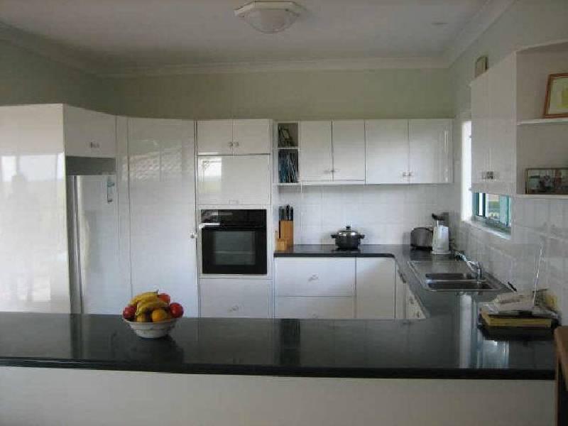 5 Hilltop Av, Abbotsford QLD 4670