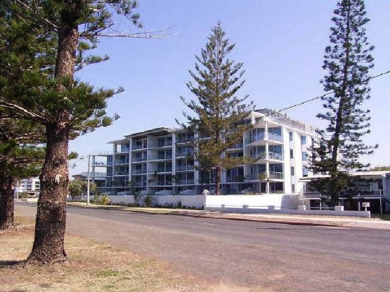302/83 – 87 The Esplanade, Abbotsford QLD 4670