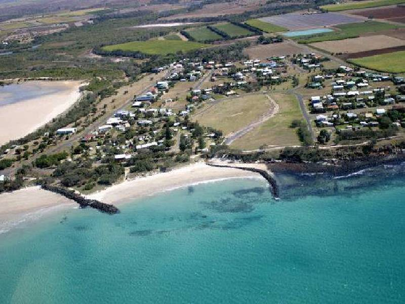 13 Sea Esplanade, Abbotsford QLD 4670