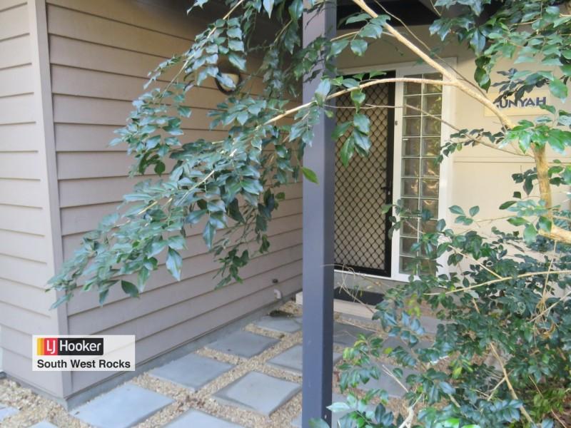 2/37-39 Cardwell Street, Arakoon NSW 2431