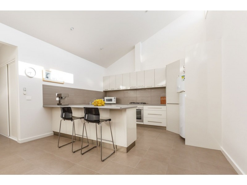 3/134 Desailly Street (Partially Fur, Sale VIC 3850