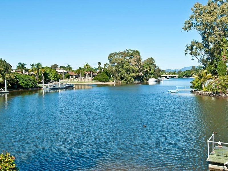 79 River Crescent, Broadbeach Waters QLD 4218