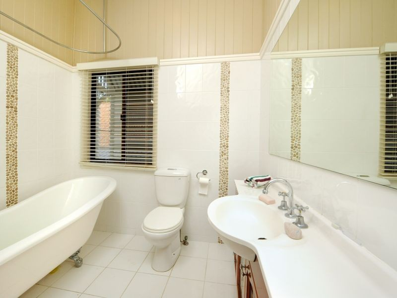112 Erica Street, Cannon Hill QLD 4170