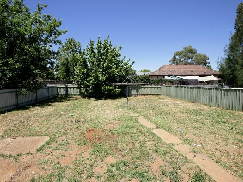 33 Callaghan Street, Ashmont NSW 2650