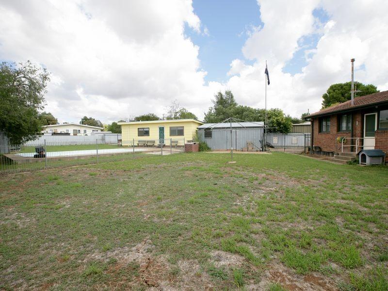 3 Smithies Place, Ashmont NSW 2650