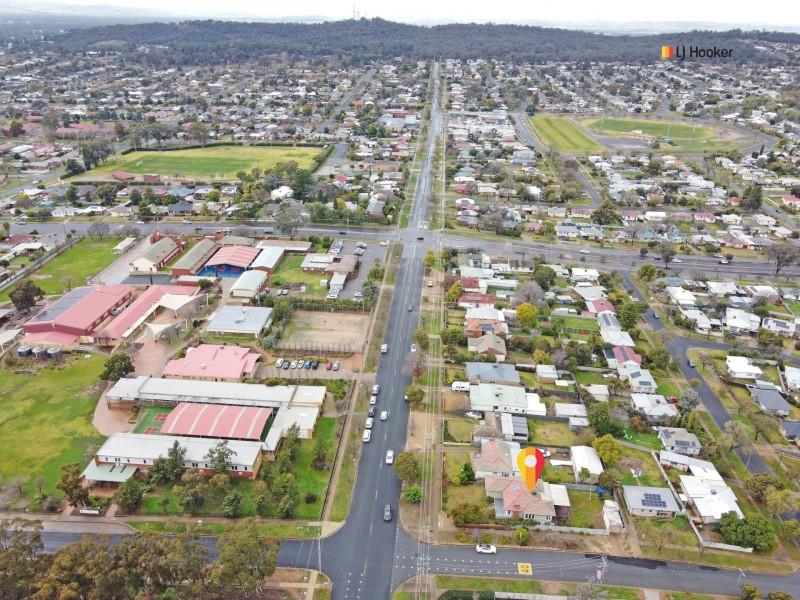 126 Fernleigh Road, Mount Austin NSW 2650