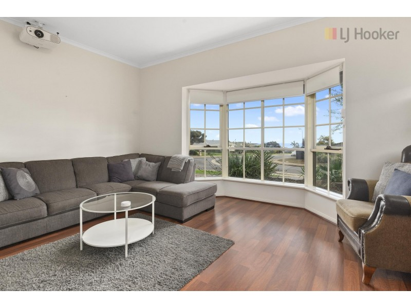 39 Rogana Crescent, Hallett Cove SA 5158
