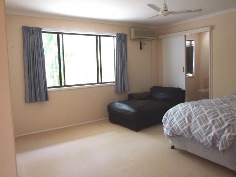 49 Helen Crescent, Wurdong Heights QLD 4680