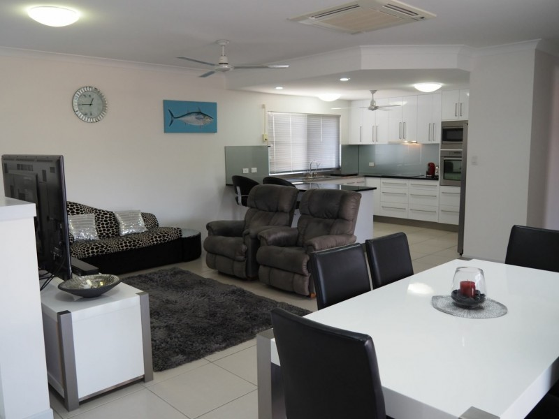 7 Silk Road, Bowen QLD 4805