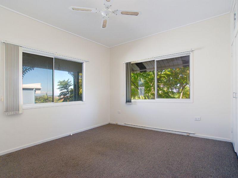 31 Tantula Road E, Alexandra Headland QLD 4572