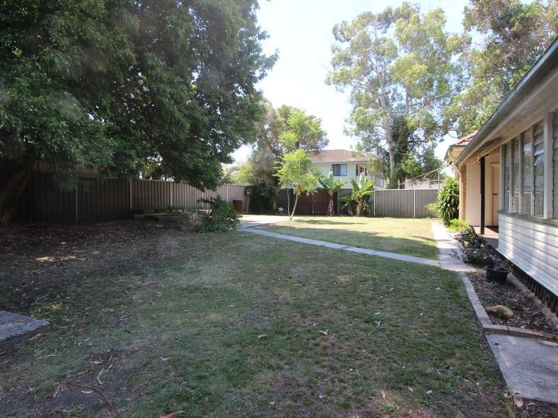 313 Main Road, Fennell Bay NSW 2283