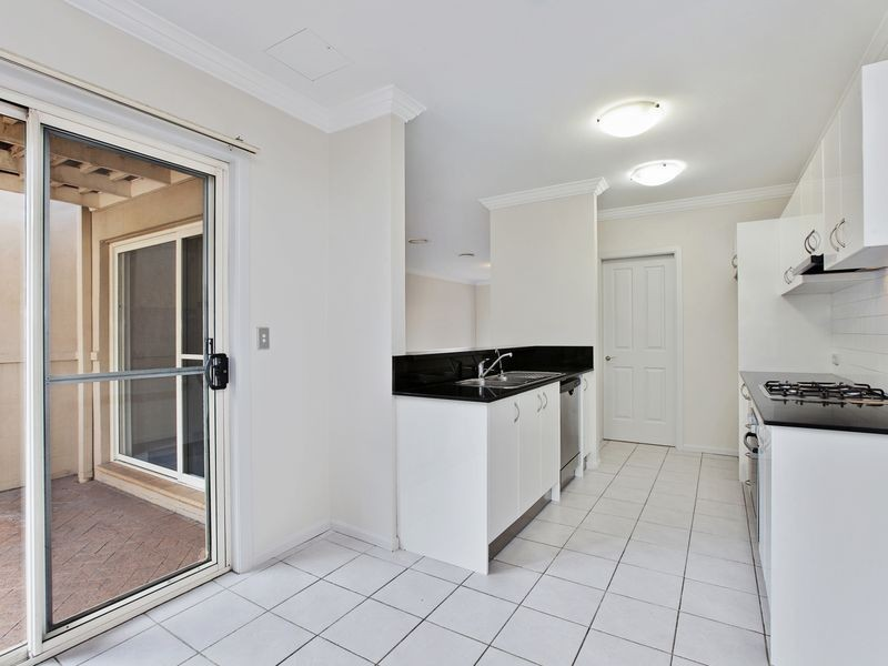 4 Charlton Drive, Liberty Grove NSW 2138