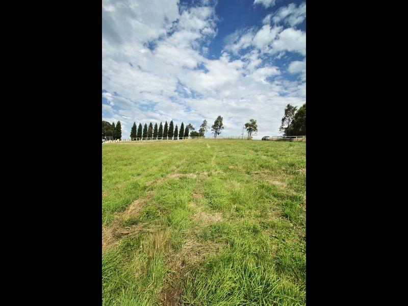 90 Eastern Ridge, Hidden Valley VIC 3756