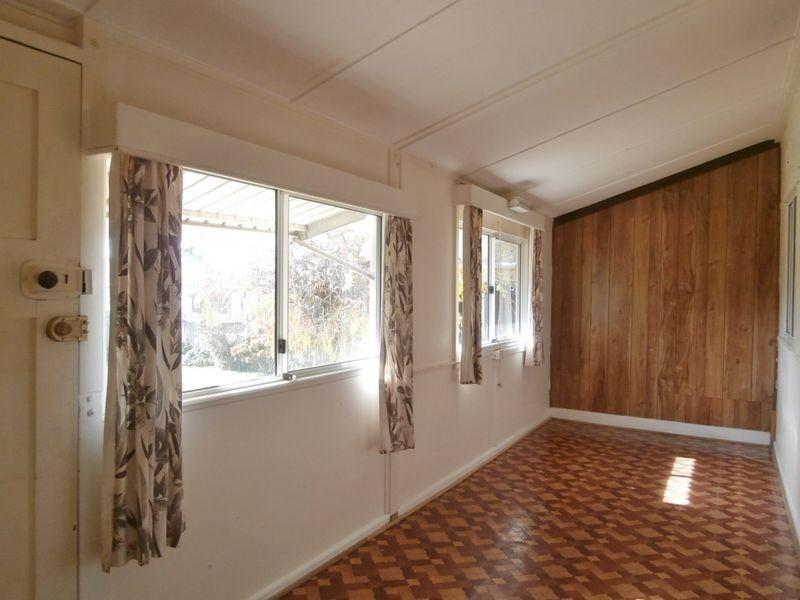 28 Alamein Walk, Bathurst NSW 2795
