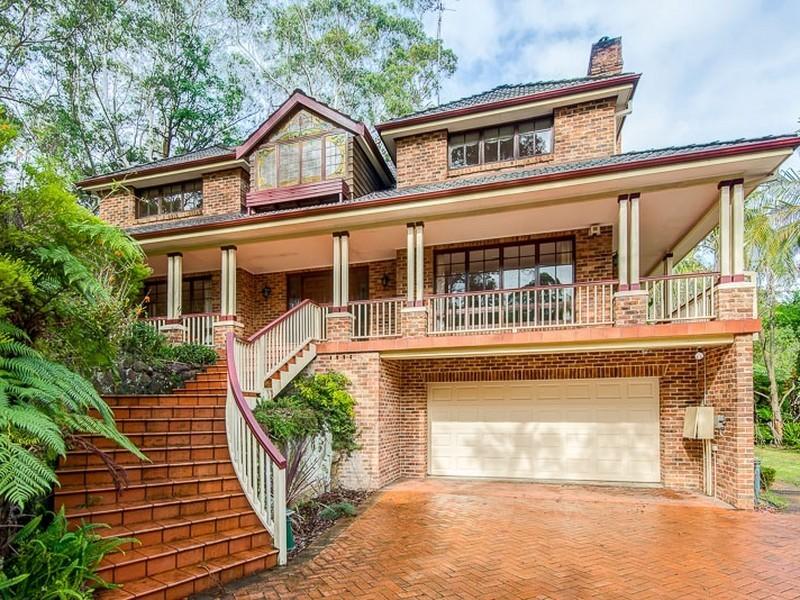 8 St Andrews Drive, Pymble NSW 2073