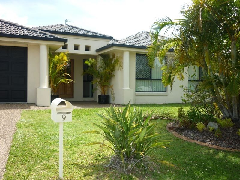9 Gillingham Place, Pelican Waters QLD 4551