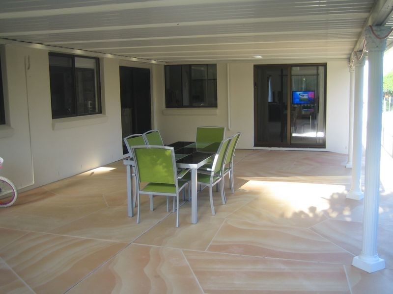 3 Tirau Place, Broadbeach Waters QLD 4218
