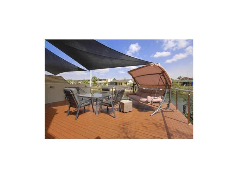1/5 Miami Key, Broadbeach Waters QLD 4218