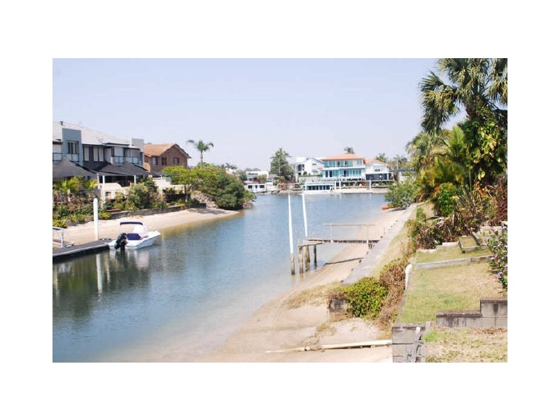 2/8 Havana Key, Broadbeach Waters QLD 4218