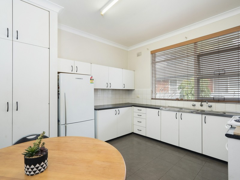 6/30 Clarence Avenue, Dee Why NSW 2099