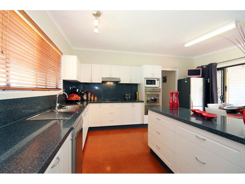 45 Coutts Street, Bulimba QLD 4171