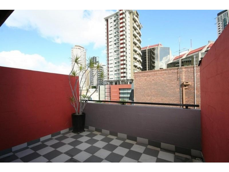 2/60 Raff Street, Spring Hill QLD 4000