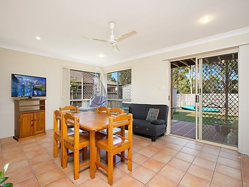 11 Fairway Drive, Meadowbrook QLD 4131
