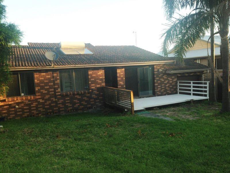 9b Longs Road, Bateau Bay NSW 2261