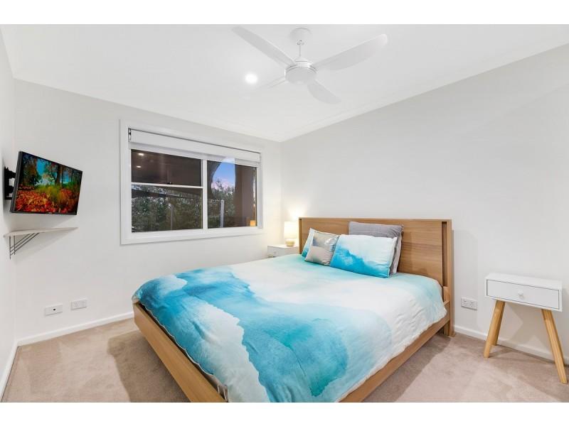 8 Berne Street, Bateau Bay NSW 2261