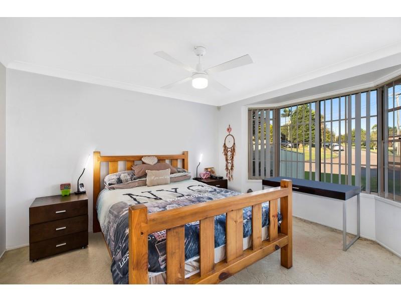 9 Peta Close, Bateau Bay NSW 2261