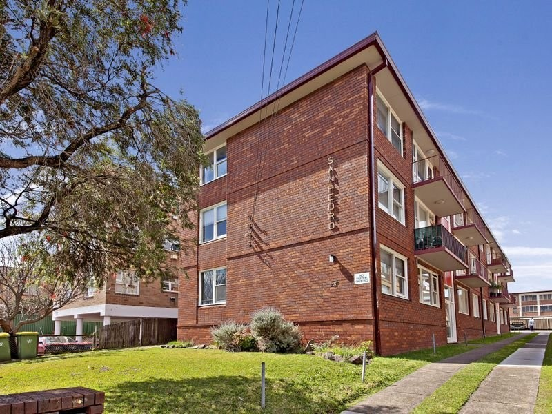 2/31 Alt Street, Ashfield NSW 2131