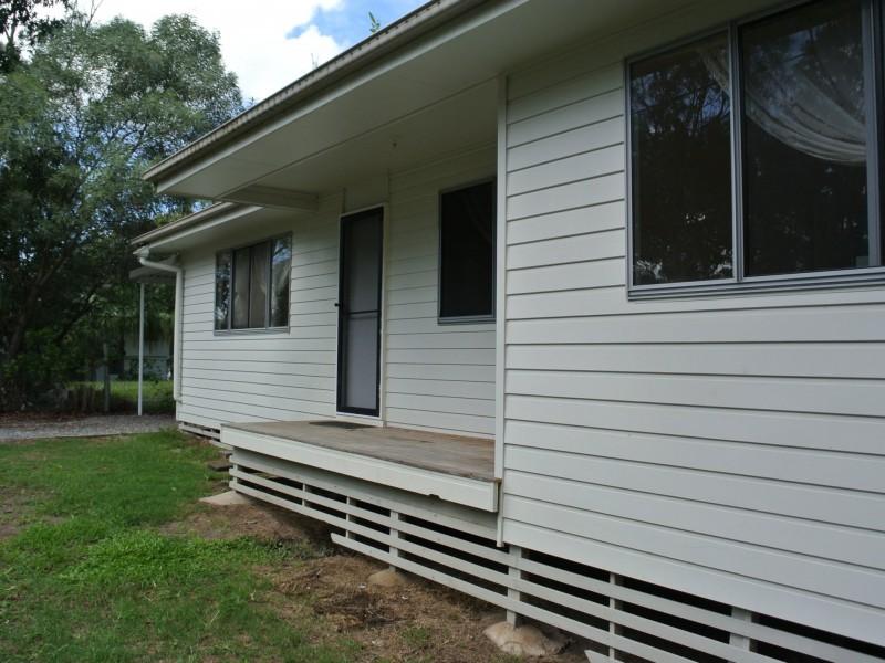 22 Cathy Street, Macleay Island QLD 4184