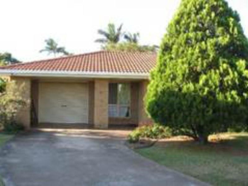 4 Vicki Place, Victoria Point QLD 4165