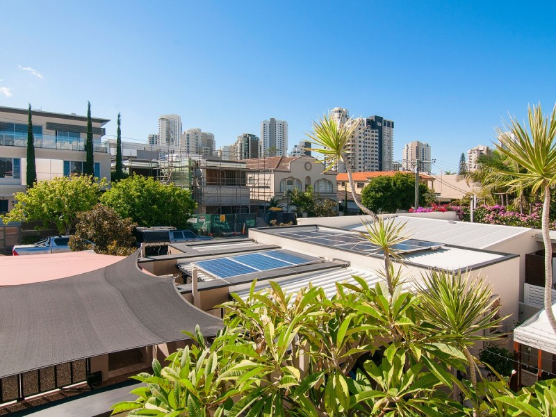 2/46 Cronin Avenue, Main Beach QLD 4217