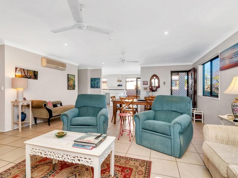 19 Matthew Flinders Drive, Hollywell QLD 4216