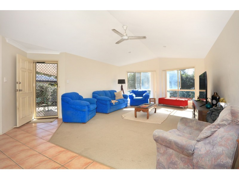 15 The Esplanade, Coombabah QLD 4216