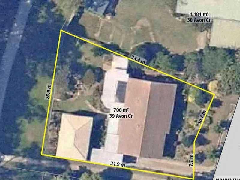 39 Avon Crescent, Albany Creek QLD 4035