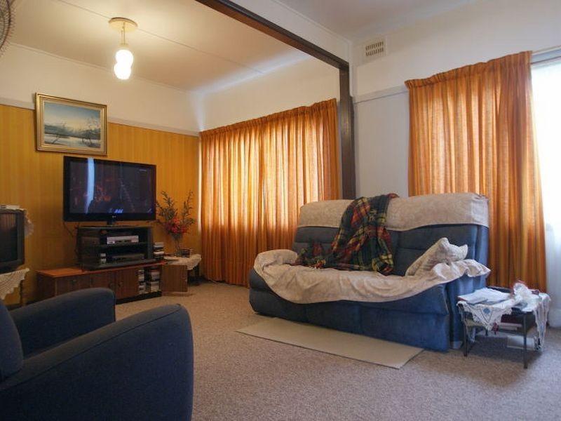 39 Clyde Street, Batemans Bay NSW 2536