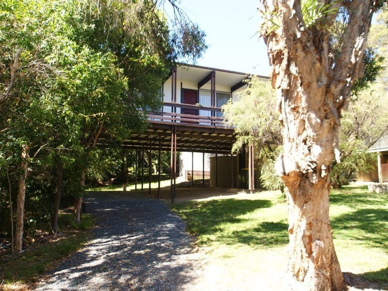 16 Fairley Street, Batehaven NSW 2536