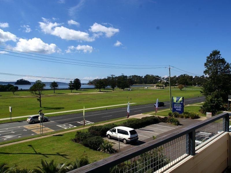 210/202 Beach Road, Batehaven NSW 2536