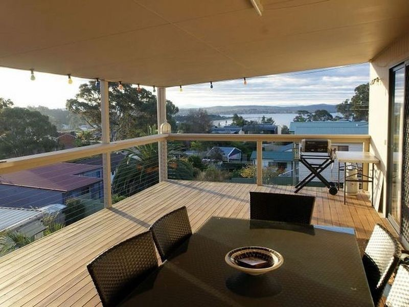 16 Ocean Road, Batehaven NSW 2536