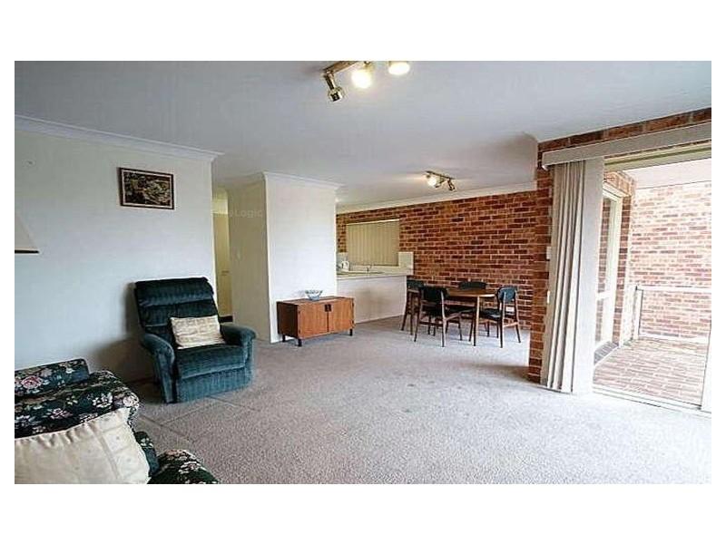 4/2 Sheila Street, Batehaven NSW 2536