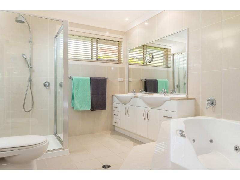 39 Courtenay Crescent, Long Beach NSW 2536