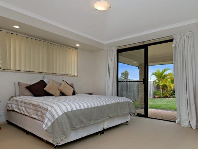 8 Undanbi Place, Pelican Waters QLD 4551
