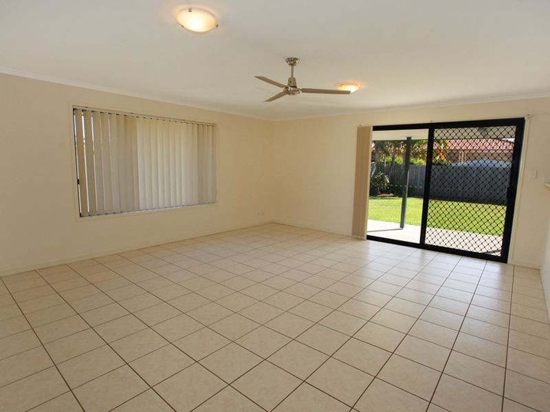 9 Undanbi Place, Pelican Waters QLD 4551