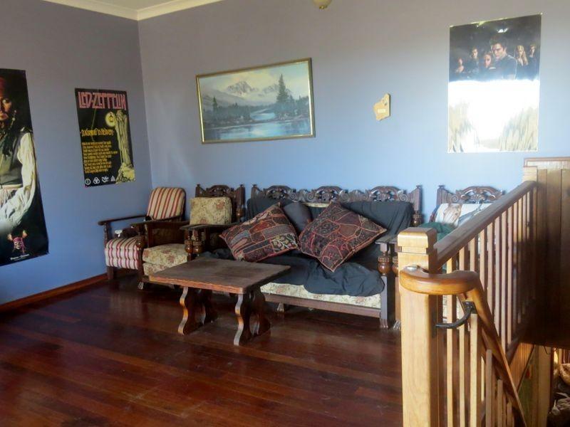 2 Chestnut Grove, Manjimup WA 6258